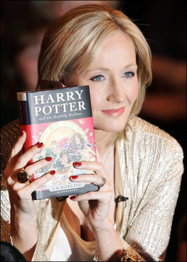 Harry Potter Writer Cashes In On eBooks